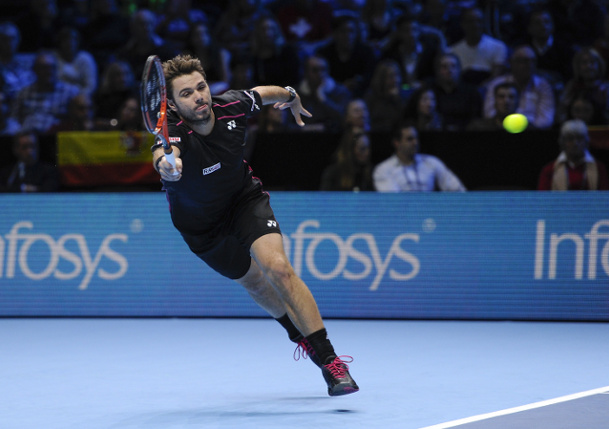Wawrinka Overpowers Ferrer at WTF