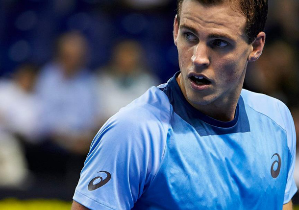 Pospisil Sweeps Into Valencia Semifinals