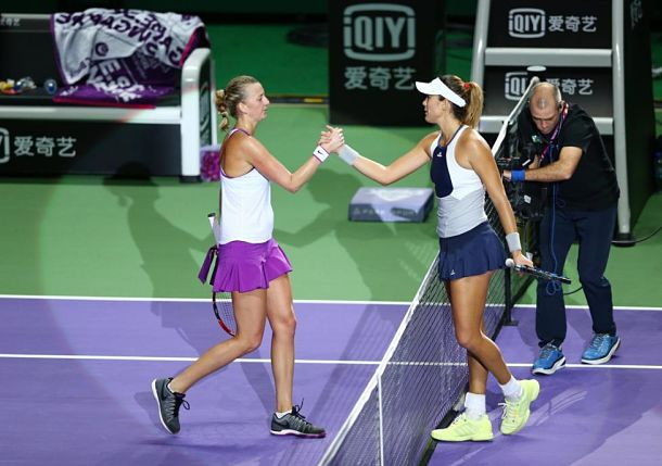 Muguruza Defeats Kvitova, Both Reach Singapore Semis