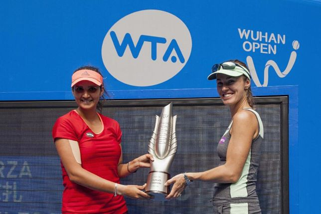 Hingis and Mirza Win 7th Title of '15
