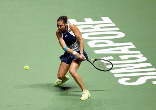 Surging Pennetta Puts Radwanska on the Brink of Elimination in Singapore