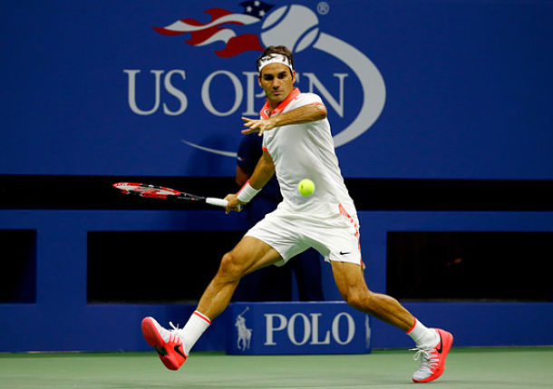Federer Squeezes Past Isner and Into Quarterfinals