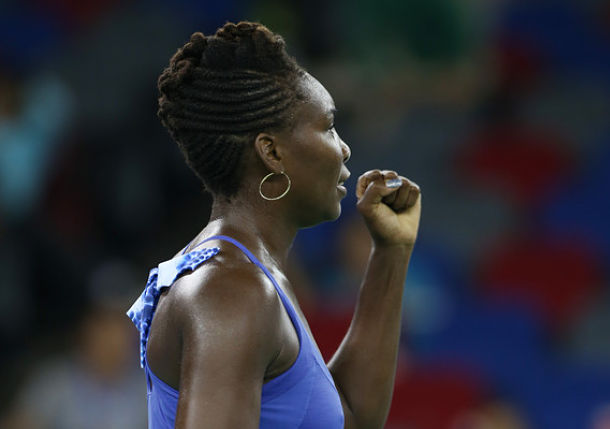 Venus Williams Makes it 3 for 3 vs. Radwanska in 2015