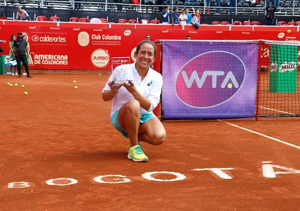 Falconi Dedicates First Career Title to Ecuador's Earthquake Victims