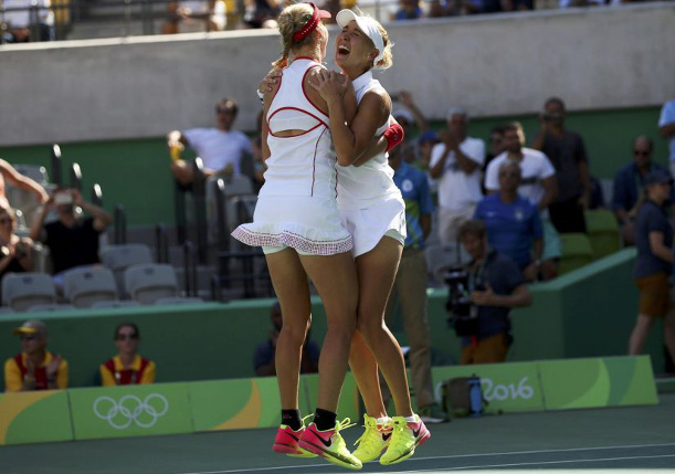 Makarova and Vesnina, Hingis and Chan First to Qualify for WTA Finals