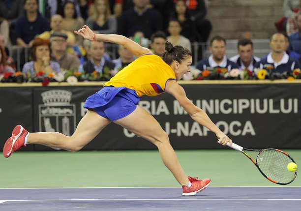 Watch: Halep's Heady Dig