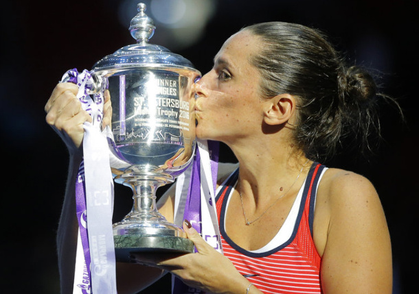 Vinci Beats Bencic for 10th Title in St. Petersburg
