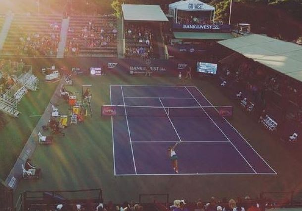 17-Year-Old Bellis Knocks off Ostapenko at Stanford