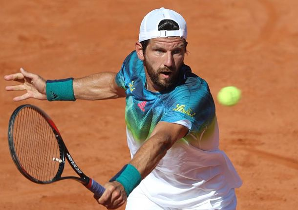 Melzer stuns Thiem to set Sibling Clash in Austria