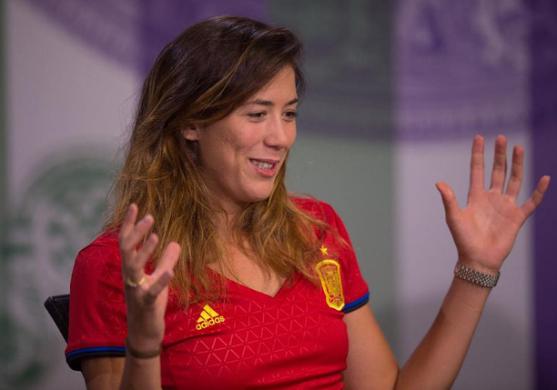 Watch: Muguruza on Love-Hate Relationship With Grass