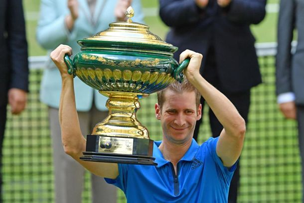 Mayer's Magic Yields Halle Title