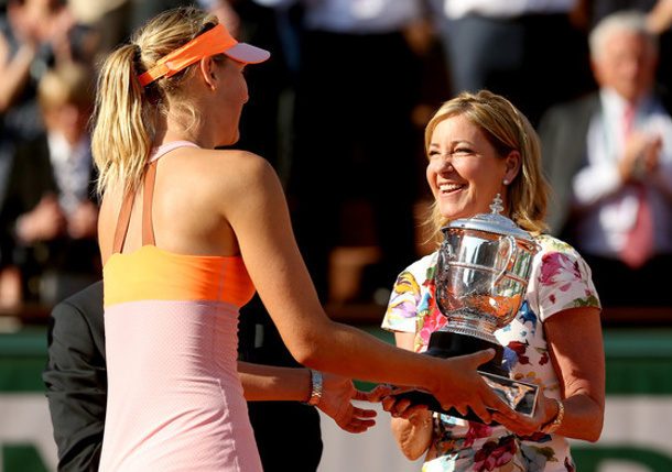 Evert: PEDs Part of All Sports, Sharapova Should Release Medical Records
