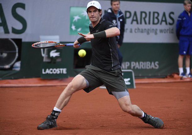 Murray Downsizes Karlovic, Isner Up Next