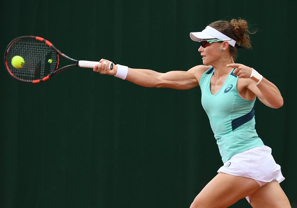 Stosur Edges Safarova, Sets Up Halep Clash