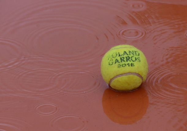 Beleaguered Forget Hopes for Brighter Roland Garros Days