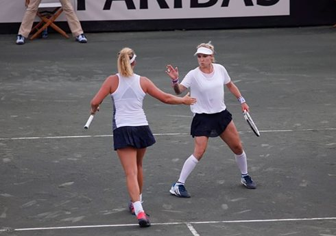 Vandeweghe, U.S.A. Charge into Fed Cup Final