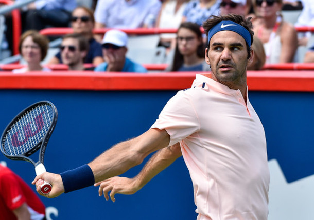 Roger Federer comes from behind to beat David Ferrer