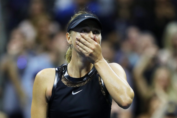 Sharapova Stops Halep in Dramatic Monday Night Opener
