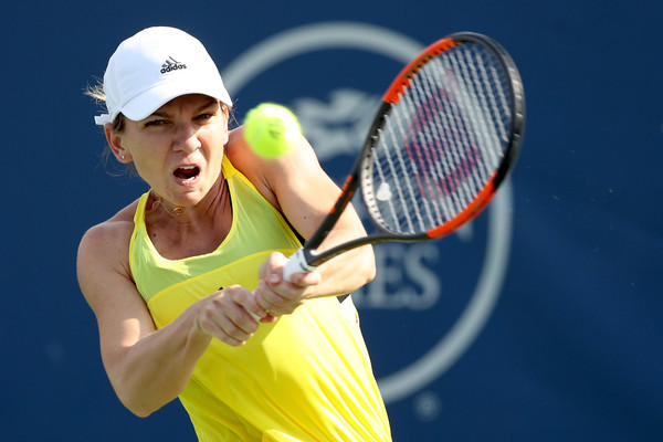 Halep, Konta Ease into Third Round at Cincinnati