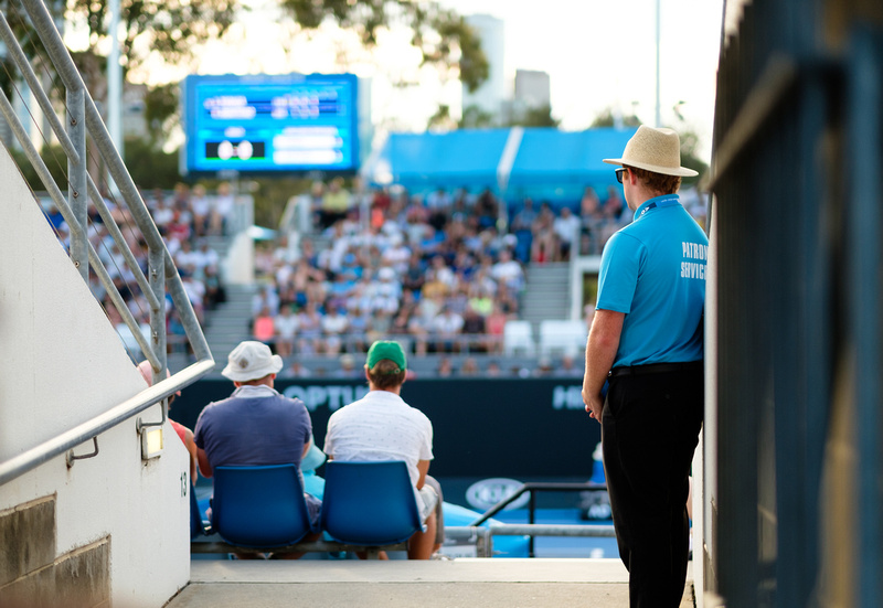Tennis Express Australian Open Day 2 Live Blog
