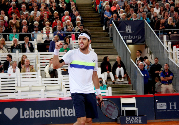 Lucky Loser Mayer Moves Into Hamburg Final