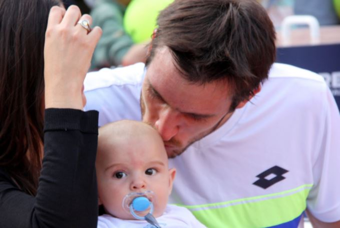 Watch: Mayer's Adorable Baby Celly