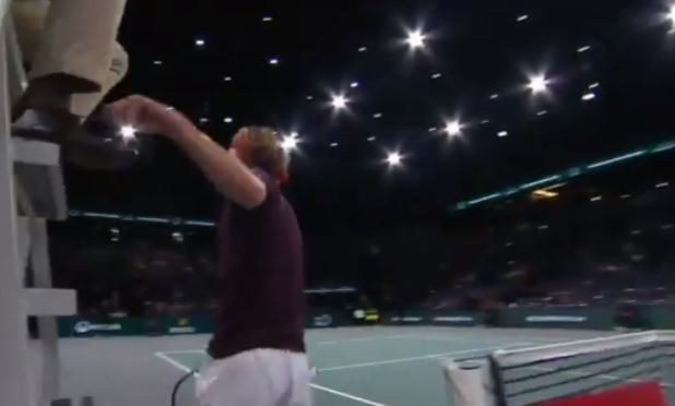 Zverev Unties an Umpire's Shoe, and Yes it Was Funny