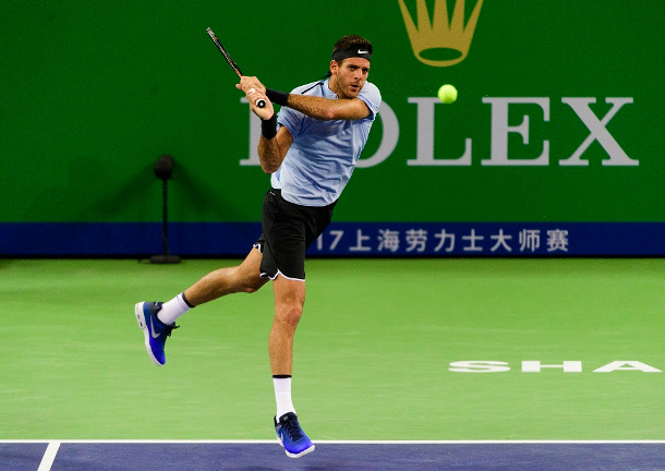 Del Potro Survives Tumble, Troicki to Reach Shanghai Semis