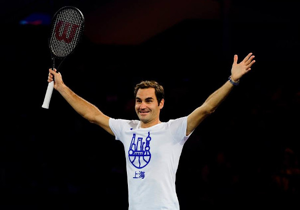 Federer Squelches Schwartzman in Shanghai Return
