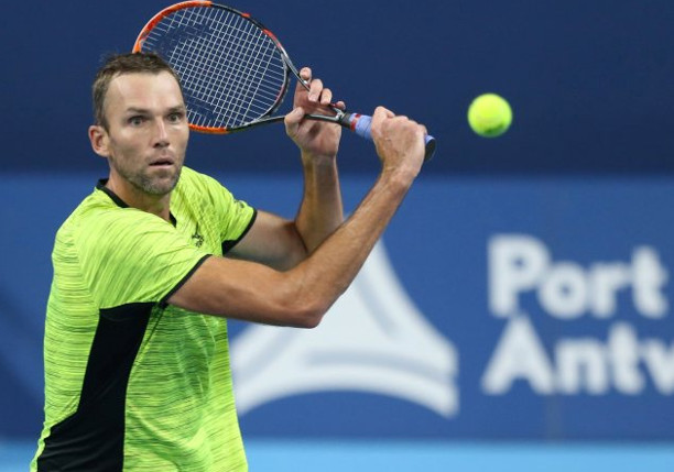 Karlovic Repels Robredo In Barcelona Opener