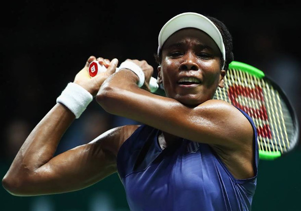 Venus Roars Into Singapore Final vs. Wozniacki