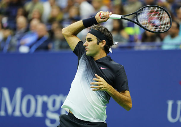 A More Vintage Federer Wins Easily over Lopez
