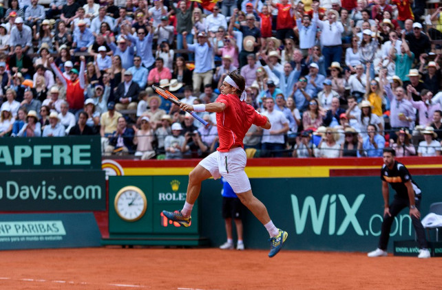 Ferrer Fights Through Epic, Sends Spain Into Semifinals