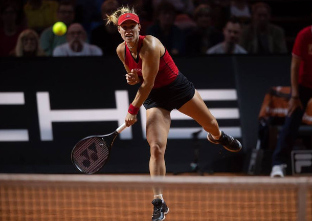 Kerber, Kontaveit Advance in Stuttgart