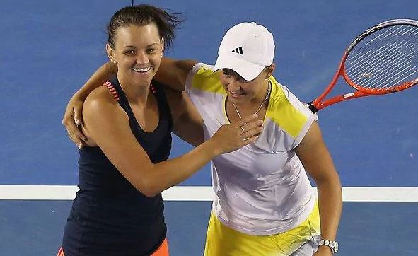 Casey Dellacqua Announces Her Retirement from Tennis