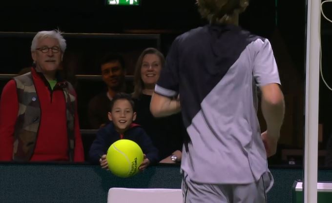 Rublev Makes a Kid's Day in Roterdam