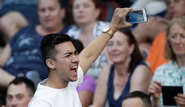 Strange Snapchat Guy Interrupts Kyrgios Match with Sex Noises
