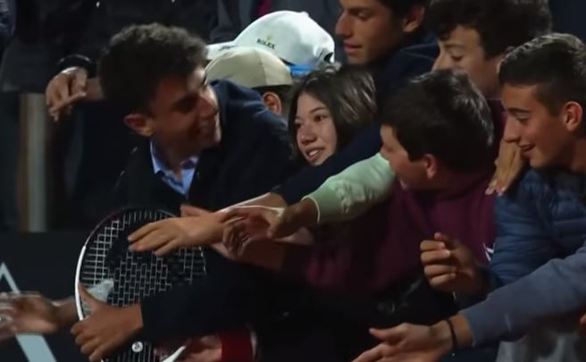 Video: Novak Djokovic Gives Random Fan a Brand New Racquet in Rome