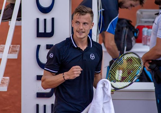 Fucsovics Becomes First Hungarian to Reach ATP Final Since 1984