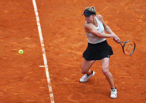 Defending Champ Svitolina Eases Past Kerber in Rome