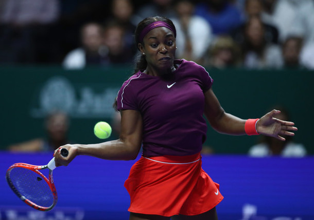 Stephens Subdues Osaka In WTA Finals Opener