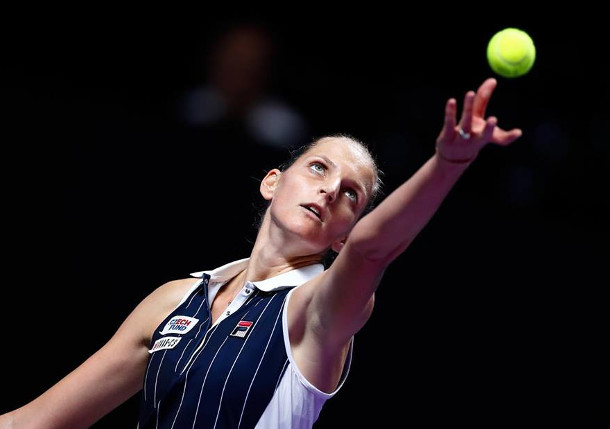 Pliskova Edges Halep, Rallies into Shenzhen Semifinals