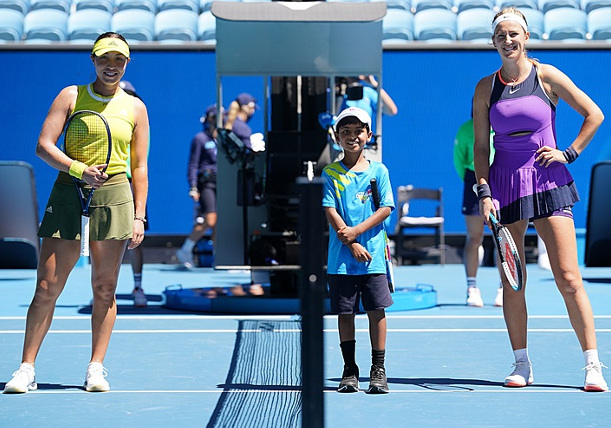 Pegula Knocks Out Weary Two-Time Champ Azarenka in AO Opening Round