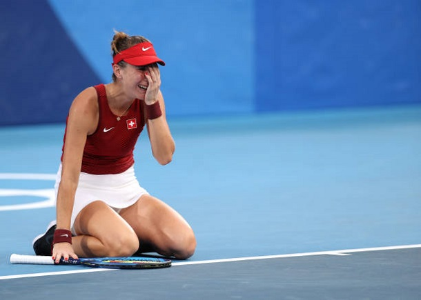 Gritty Bencic Rallies Past Rybakina Into Gold-Medal Match