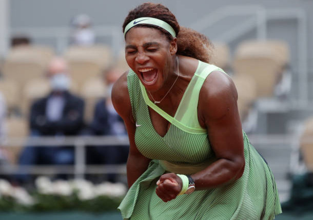 """Serena Shows Her """"A"""" Game Conquering Collins for RG Fourth Round"""