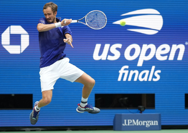 Medvedev, Tsitsipas Qualify for ATP Finals in Turin